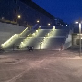 Éclairages escalier du Palais Omnisports Paris Bercy